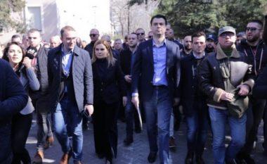 Tiranë: Protestës i bashkohen Basha dhe Kryemadhi