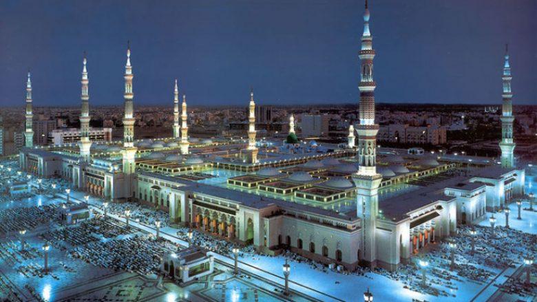 Nga brigjet e Oqeanit Paqësor, deri në ekstremin perëndimor të Afrikës – këto janë xhamitë më të mëdha në botë (Foto)