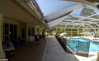 Duke dashur ta kapë topin në pishinë, njëvjeçari bie në ujë - babai i tij reagon në sekondën e fundit për ta shpëtuar (Video)
