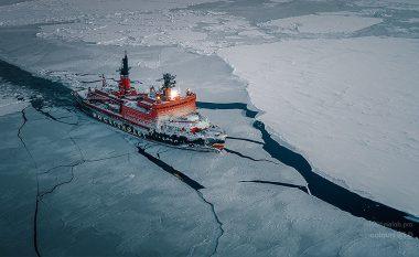 I ka 75 mijë kuaj-fuqi, njihuni me anijen akullthyese që shëtitet nëpër Antarktik (Video)