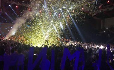 Alban Skënderaj dhuron spektakël në Prishtinë: Faleminderit që ishit pjesë e kësaj ëndrre