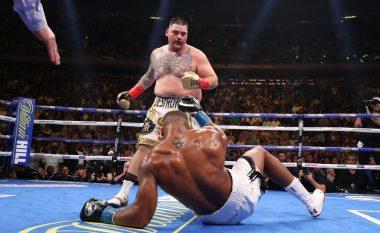 Këtë askush nuk e kishte pritur! Ruiz e rrëzon katër herë Joshuan dhe ia rrëmben titujt
