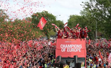 Gjysmë milion njerëz dolën në rrugët e Liverpulit për ta festuar triumfin e madh