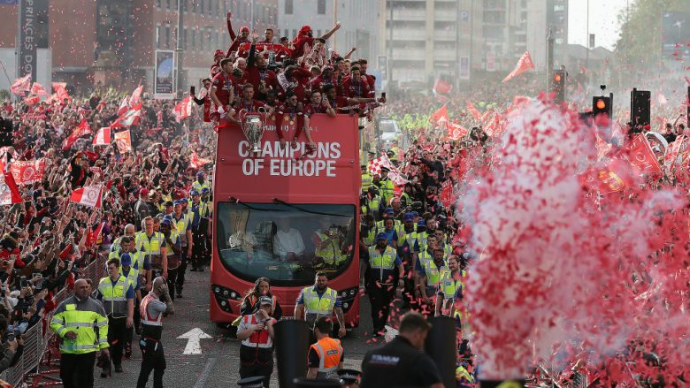 Festa e futbollistëve të Liverpoolit. (Photo by Nigel Roddis/Getty Images)