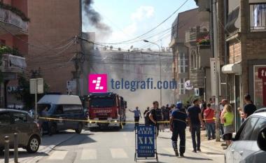 Digjet një banesë në Prishtinë (Foto/Video)