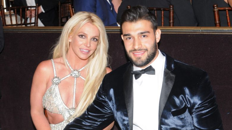 Britney Spears dhe Sam Asghari (Foto: Vivien Killilea/Getty Images for GLAAD/Guliver)