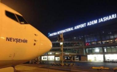 Turbulencat dëmtojnë aeroplanin Prishtinë-Bazel, lëndohen 10 persona