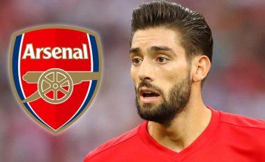 Arsenali fillon bisedimet për Carrascon