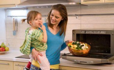 Gjashtë ushqime të cilat nuk bën të ringrohen: Do t'ju helmojnë!