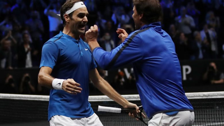 Roger Federer dhe Rafael Nadal (Foto by Julian Finney/Getty Images for Laver Cup/Guliver)