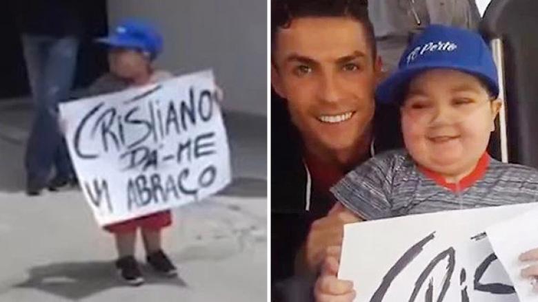 Ronaldo dhe djaloshi i sëmurë (Foto: The Sun)