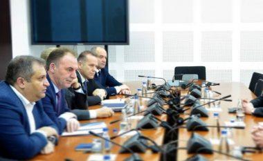 Kushtetuesja aprovon kërkesën e LDK-së dhe VV-së: Ekipi negociator është antikushtetues