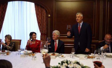 Presidenti Thaçi nderon miqtë e Kosovës