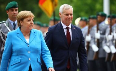 Pasi u pa duke u dridhur për herë të tretë, flet kancelarja gjermane Angela Merkel