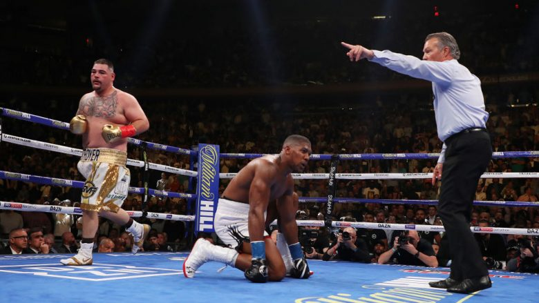 Andy Ruiz dhe Anthony Joshua (Foto: Al Bello/Getty Images/Guliver)