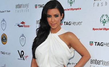 Kim Kardashian fiton 2.7 milionë dollarë pasi paditi kompaninë që i vodhi stilin e veshjes
