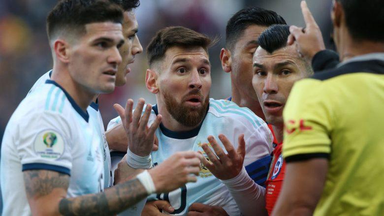 Reagimi i Lionel Messit pas kartonit të kuq (Foto: Alexandre Schneider/Getty Images/Guliver)