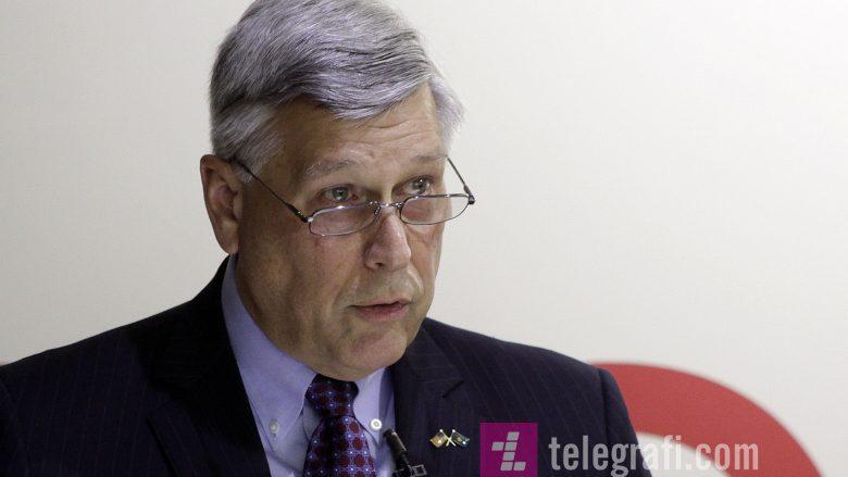 Ambasadori amerikan: Pse kjo ndërhyje politike te Agjencia e Akreditimit? Universitetet nuk kanë vend për individ të pakualifikuar