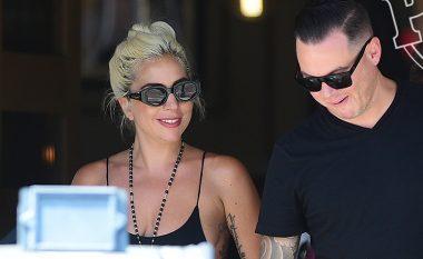 U përfol për lidhje me Bradley Cooper? Lady Gaga fotografohet duke u puthur me inxhinierin Daniel Horton