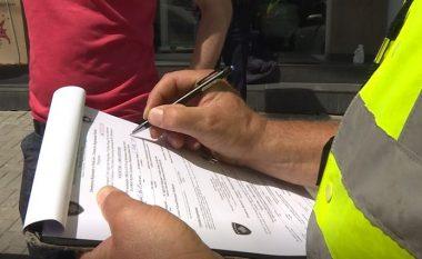 Qeshi me zë të lartë në publik, polici e dënoi me 100 euro një qytetare në Prishtinë