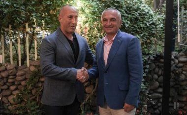 Haradinaj mirëpret Metën në Prishtinë: Angazhimi i përbashkët përballë sfidave, fuqizon faktorin shqiptar