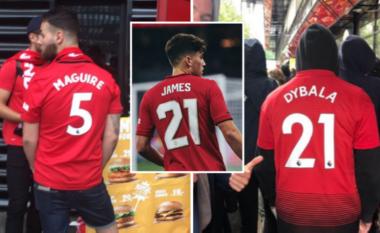 Fansat e Unitedit të bindur në transferimet e mëdha, fillojnë të blejnë fanella të Dybalas dhe Maguires