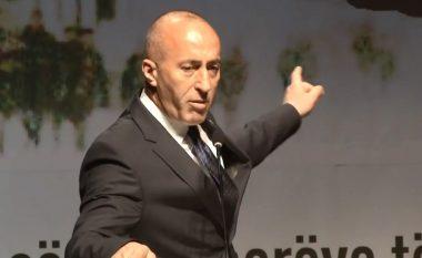 Taksa, 'karta' e Haradinajt për dialogun