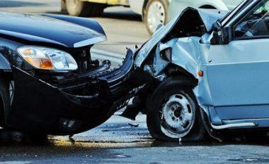 Katër persona të lënduar në një aksident trafiku në Istog