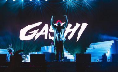 """Gashi sqaron incidentin me fansin që ndodhi në festivalin """"Sunny Hill"""""""
