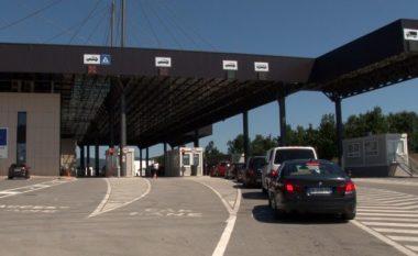 Kosovari arrestohet në kufi, i gjetën mbesën në bagazh