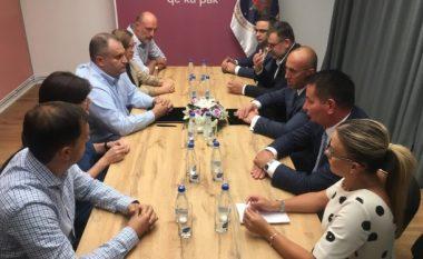 Nënshkruhet marrëveshja për koalicion parazgjedhor ndërmjet AAK-së dhe PSD-së