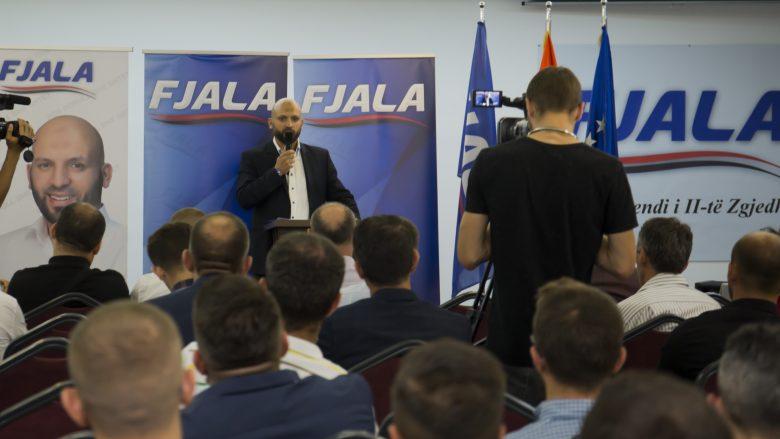 Gëzim Kelmendi rizgjedhet kryetar i partisë FJALA