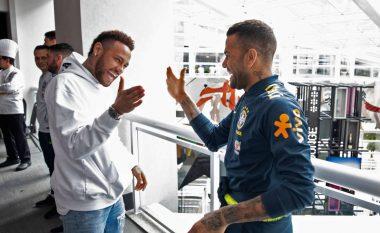 Dani Alves nuk ka dyshime në rikthimin e Neymarit te Barcelona në të ardhmen