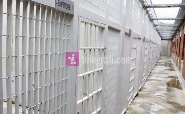 Shërbimi Korrektues ndalon vizitat e familjarëve, të burgosurit do të mund të komunikojnë përmes Skype-it