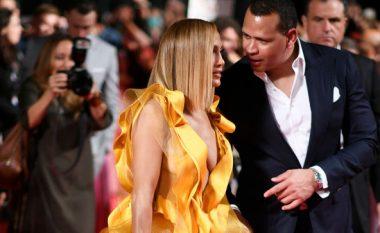 """J.Lo merr vëmendjen përkrah Alex në premierën e filmit """"Hustlers"""" në Toronto"""