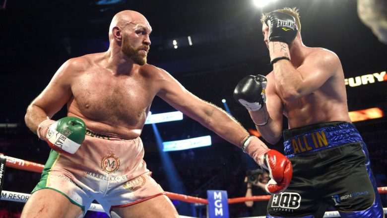 Tyson Fury dhe Otto Wallin.  (Photo by David Becker/Getty Images)