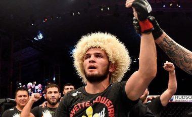 Fjalët e para të Khabib Nurmagomedov pas mbrojtjes së titullit në UFC: Falënderimi i takon Zotit