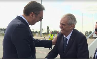 Presidenti çek, Vuçiqit: E dua Serbinë dhe popullin e saj, Kosova nuk më pëlqen