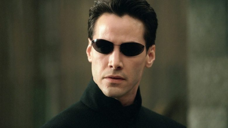 "Keanu Reeves në filmin ""The Matrix"" (Foto: Screenshot/YouTube/Warner Brothers)"