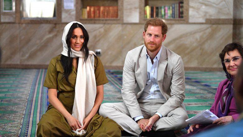Princi Harry dhe Meghan Markle gjatë vizitës në Xhaminë më të vjetër të Afrikës Jugore, në Cape Town (Foto: Tim Rooke - Pool/Getty Images/Guliver)