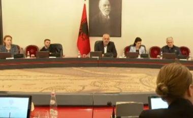 Momenti kur tërmeti godet Tiranën gjatë mbledhjes së Qeverisë