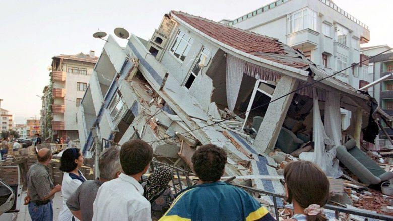 Foto: Tërmeti në Stamboll