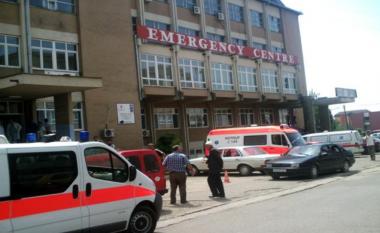 Nëntë nga 26 zyrtarët e KQZ-së dërgohen në Klinikën Infektive, dyshohet se janë helmuar