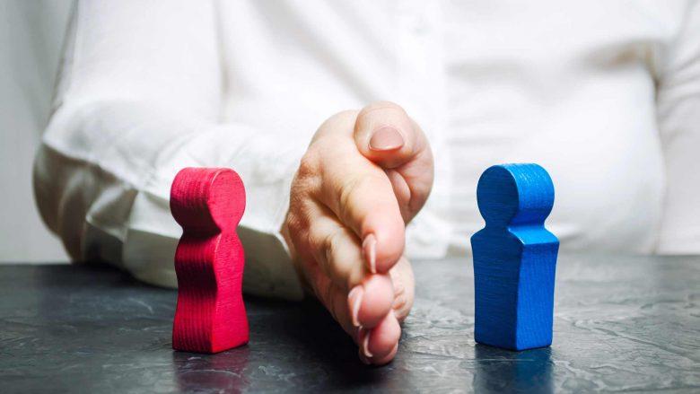Katër këshilla si të vazhdoni jetën pas ndarjes nga një lidhje shumëvjeçare