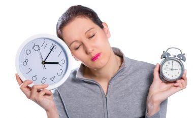 Pse ndryshimi i orës sot gjatë natës mund të na bëjë keq?