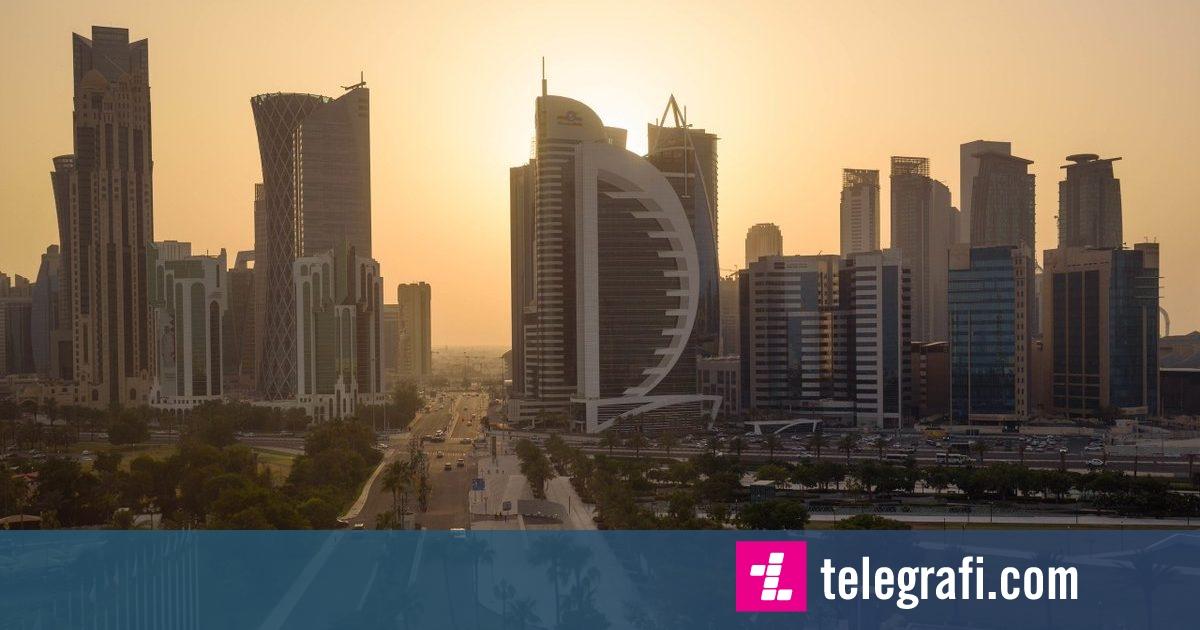 Photo of Çfarë nuk u shkon në mendje miliarderëve: Përveçse ngjyrosja e rrugëve, në Katar do të instalohen kondicionerë në hapësira të hapura!