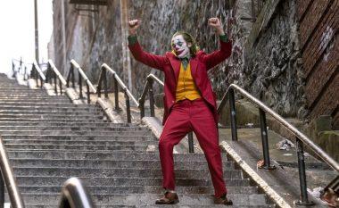 Shkallët nga skena ikonike e Jokerit janë bërë atraksion turistik