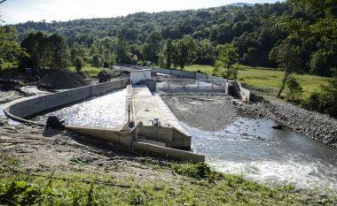 Banorët e Shtërpcës kundërshtojnë ndërtimin e hidrocentralit, ndërhynë policia
