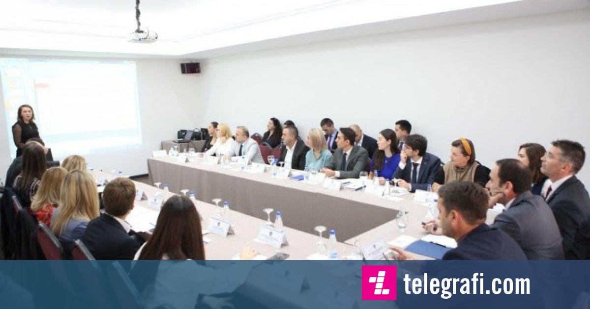 Akademia Diplomatike fillon trajnimin intensiv për diplomatë të rinj