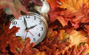 Ndryshimi i orës, kur ndodh dhe pse – cilat janë efektet në ekonomi, shëndet dhe jetën e përditshme